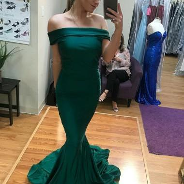 Mermaid Off-the-Shoulder Emerald Green Satin Prom Dress Sweep Train Bridesmaid Party Gowns